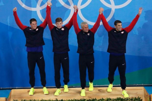 michael-phelps-rio-olympics-gold-medal-1.jpg